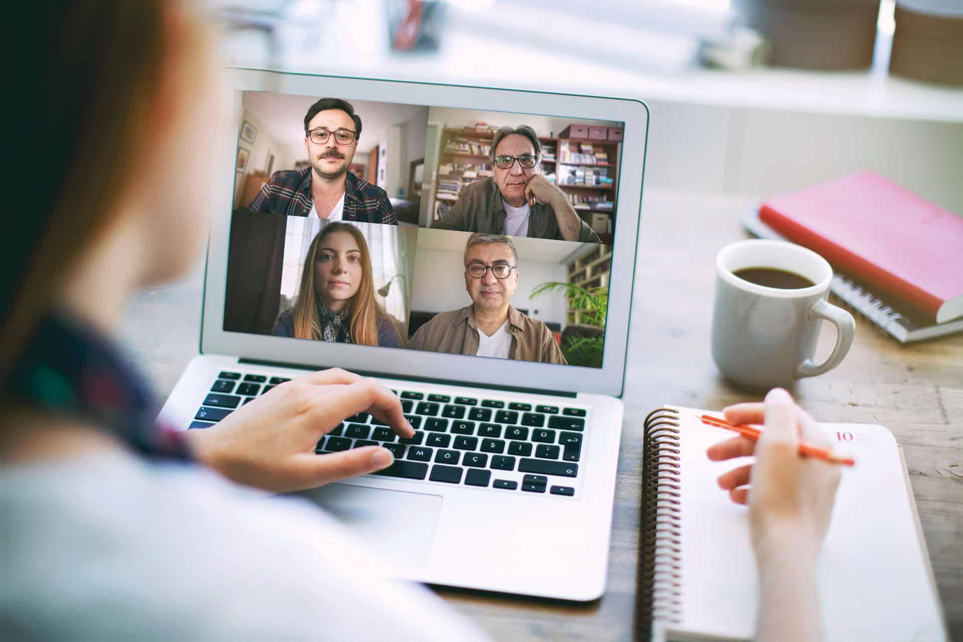 Digitale Konferenz über den Laptop